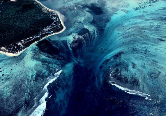 A hatalmas víz alatti vízesés a világon egyedülálló.