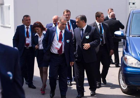 A miniszterelnök azt hangsúlyozta, hogy a sportot csak nemzeti alapon lehet űzni, ezért kormánytól függetlenül támogatni kell egymást. A sport területén tudjuk leginkább kifejezni, hogy mi a magyar.