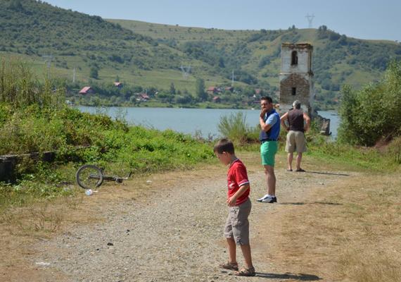 A jobbikos képviselőnek, Vona Gábornak egy kisfia van, Benedek, akivel közösen Erdélybe mentek pihenni idén nyáron.