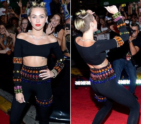 A VMA egy másik résztvevője: Miley Cyrus nem tudta eldönteni, hogy lepukkant háremhölgynek vagy csigának öltözzön-e, így a két stílust ötvözte.
