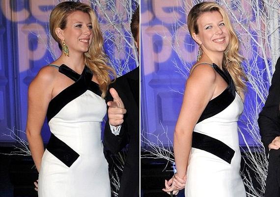 Úgy tűnik, Stephanie Bon Jovi már jól van: újra egészséges és boldog.