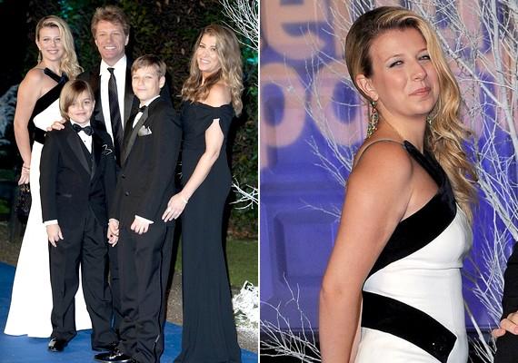 Jon Bon Jovi és családja teljes létszámban jelen volt az eseményen: velük volt a sztár lánya is, aki nemrégiben drogtúladagolás miatt került veszélybe.