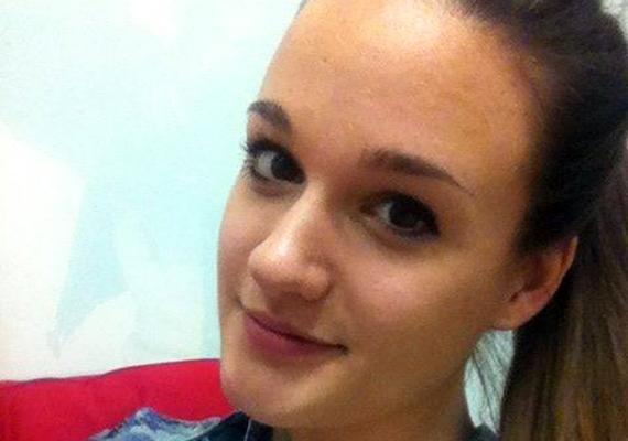 """A 18 éves Péterffy Lili, miután kiesett, megnyugtatta a rajongóit: """"Ne aggódjatok, semmi nem dőlt össze, folytatom az éneklést szólóban és a zenekarommal is, akikkel nemsoká megint koncertezünk."""""""