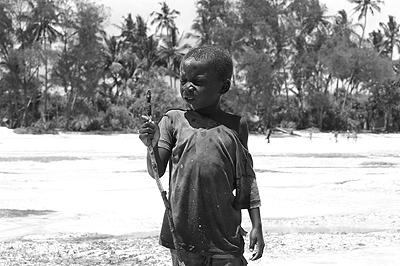 Halászó kisfiú