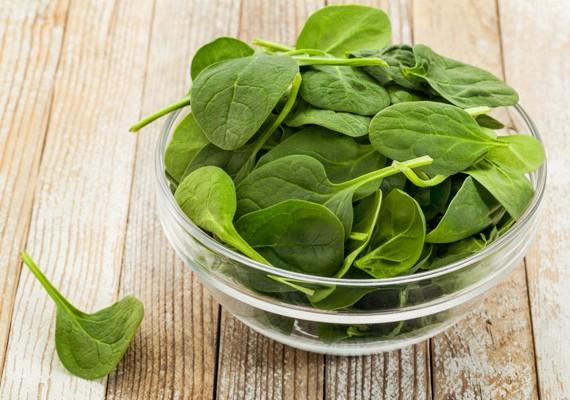 C- és K-vitamin-, valamint vastartalma miatt nagyon egészséges a spenót, ráadásul méregteleníti a szervezetet, valamint helyreállítja annak folyadékháztartását.
