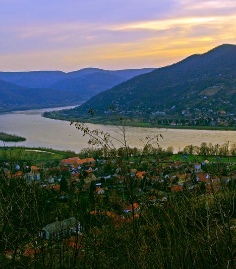 Dunakanyar  A Duna Esztergom és Budapest közötti szakasza nemcsak olyan nevezetes helyeknek ad otthont, mint a Visegrádi Vár, de természeti látnivalóban is gazdag, valamint az ország talán leggyönyörűbb panorámáját nyújtja.  Kapcsolódó galéria: Az ország 10 legszebb természeti csodája »