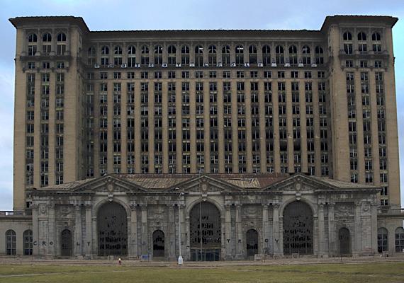 Az egyesült államokbeli Detroit lakossága 1950 óta harmadával csökkent, a válságnak és a munkanélküliségnek köszönhetően pedig néhány évtized múlva igazi kísértetvárossá válhat.