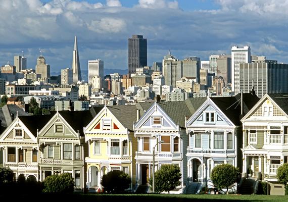 Az amerikai San Francisco esetében a Kaliforniai Egyetem kutatói szerint 75% a kockázata annak, hogy 2086-ra egy erőteljes földrengés elpusztítja, illetve jelentős károkat okoz benne.