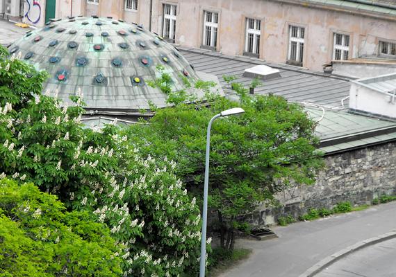 Az eredeti török fürdő, a Rudas kihagyhatatlan hely a fővárosban. Rekonstrukciója során szerencsére még megőrizték műemléki jellegét.