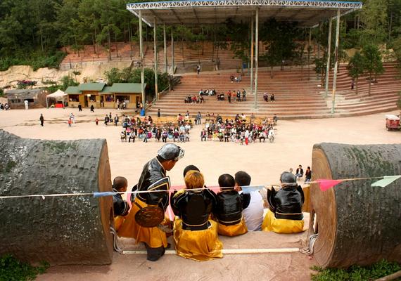 A Dwarf Empire, vagyis a Törpebirodalom a kínai Kunmingban található.