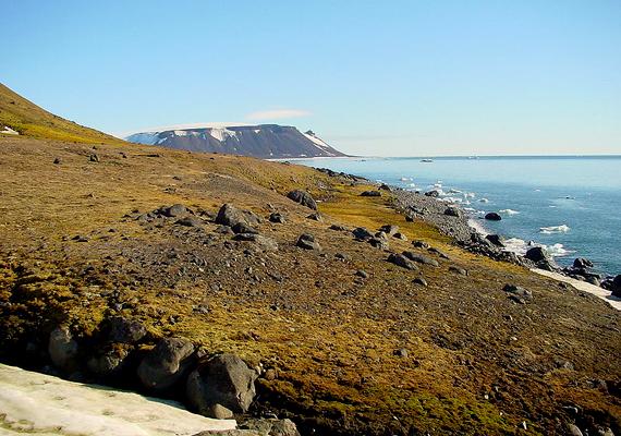 Az Észak-sarkhoz közeli, 191 szigetet magában foglaló szigetcsoport, a Ferenc József-föld felfedezése Kepes Gyula nevéhez köthető. A magyar gyarmatként is emlegetett terület 1926-tól szovjet, illetve orosz fennhatóság alatt áll.