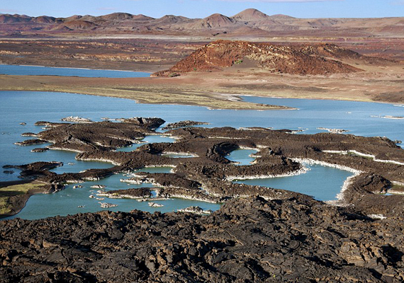Szintén Teleki Sámuel fedezte fel Afrikában az aktív Teleki-vulkánt, melyet a mai napig így hívnak.