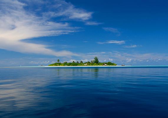 Az Indiai-óceánon ringatózó Maldív-szigeteket Marco Polo fedezte fel. Sajnos ezt a szigetcsoportot fenyegeti leginkább a tengerszint emelkedése.