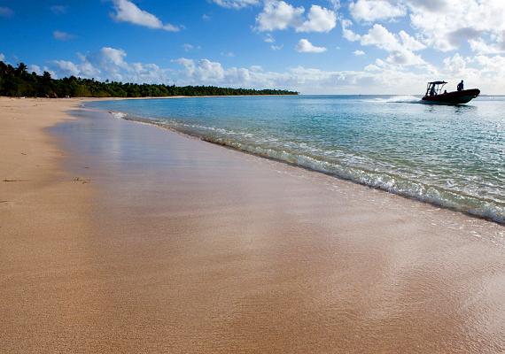 A vulkáni eredetű és korallképződményekből álló Tonga szintén Polinéziában helyezkedik el.