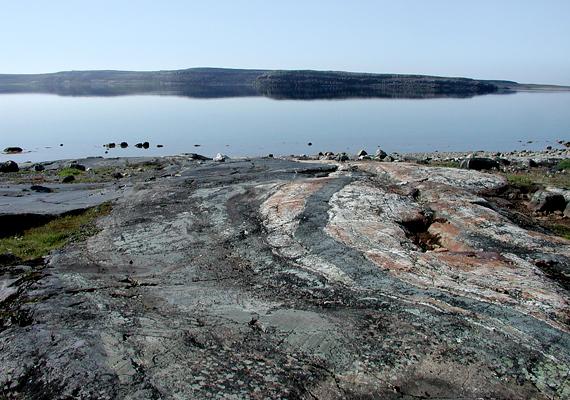 Azt, hogy a tudósok ki merték jelenteni, hogy ez a Föld legősibb kőzete, hét év kutatómunka előzte meg.