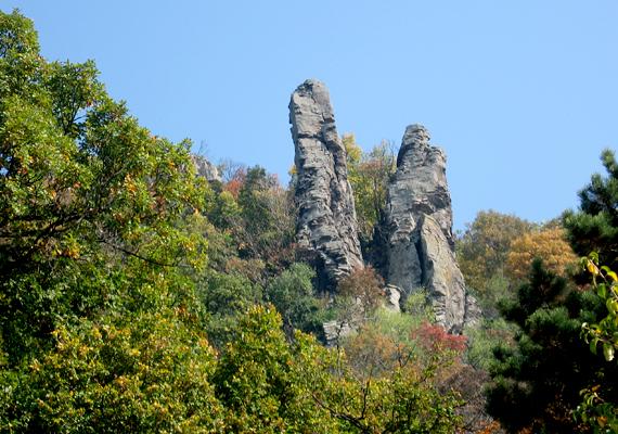 Öt-hat millió évvel ezelőtt vulkánok működtek a területen, melynek nyomait őrzik a bazaltorgonák, például a badacsonyi tanúhegyen.