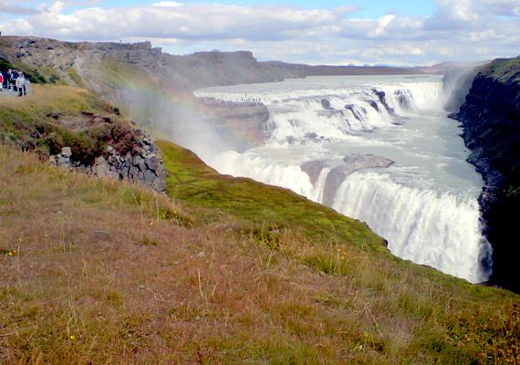 Gyönyörű táj, elképesztő látvány: a nemzeti parkban és környékén is számtalan kisebb-nagyobb vízesés található. A Gulfoss-vízesés a nemzeti parkkal együtt része az úgynevezett Arany Háromszögnek, a turisták körében igen népszerű egynapos kirándulásnak.