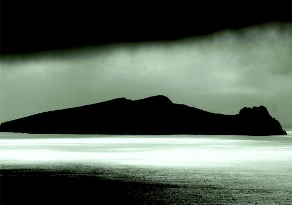 Érthető, hogy Inishtooskert szigete miért kapta a halott ember nevet.