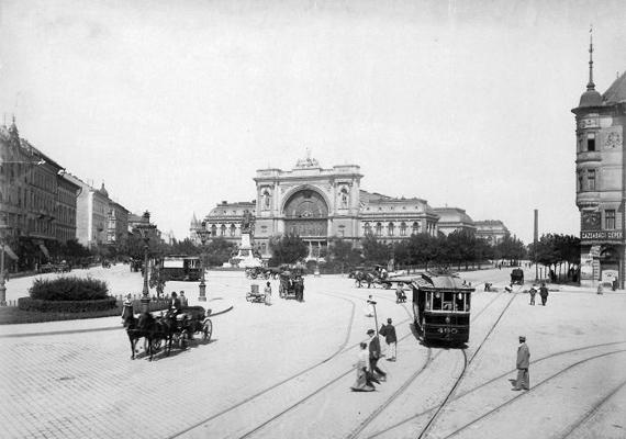 A Baross tér az 1910-es évek közepén a Rákóczi út felől nézve.