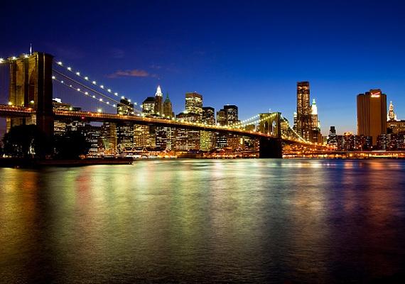 A nagy alma, vagyis New York felhőkarcolóival és állandóan nyüzsgő lakóival még éjszaka sem pihen.