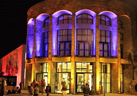 A MOM Kulturális Központban jobbnál jobb programokkal várnak kicsiket és nagyokat, nemcsak a 12. kerületből.