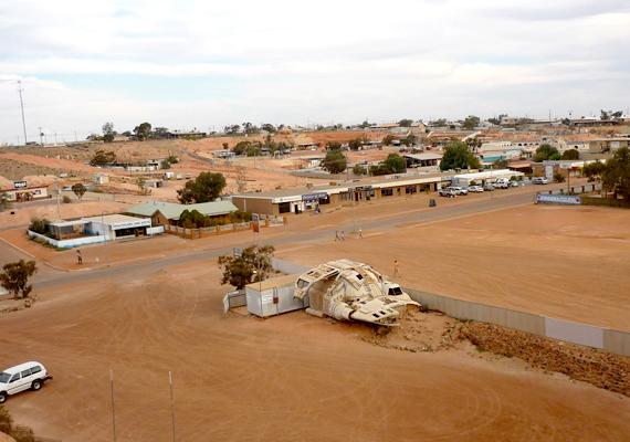 Nem meglepő, hogy a várost forgatási helyszínként is kedvelik. A képen a Pitch Black című filmben szereplő űrhajó látható.