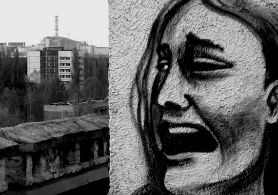 Furcsa és megrázó graffitik borítják az elhagyott házak falait. Ha még többet szeretnél megnézni, kattints ide!