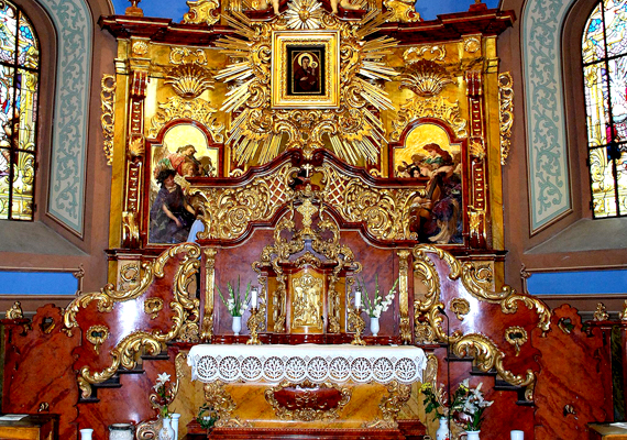 A Máriapócs templomában található Mária-kép híres az azt felkeresők csodás gyógyulásairól, emellett arról is, hogy kétszer könnyezett.