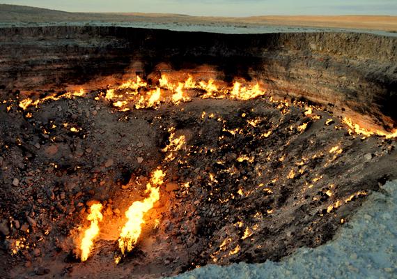 2010 áprilisában az ország elnöke, Gurbanguly Berdimuhamedow maga is meglátogatta a helyszínt, és elrendelte a kráter lezárását. Ez azonban a mai napig nem történt meg.