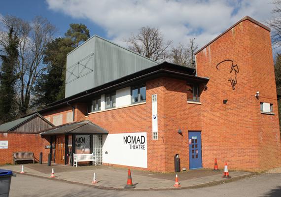 A falunak van egy amatőr színháza is, melyet Nomad Theatre-nek hívnak. 1998-ban tartották itt az első előadást.