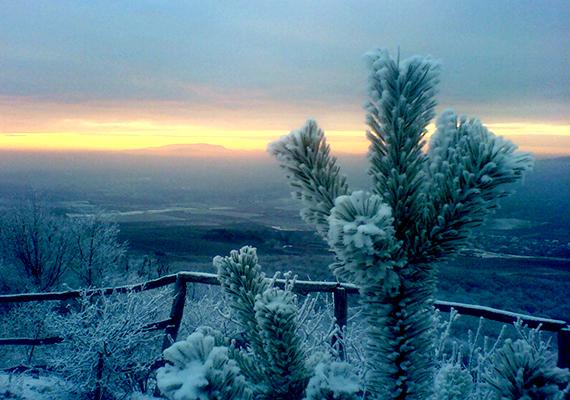 Téli naplemente a Kékes-tetőn.