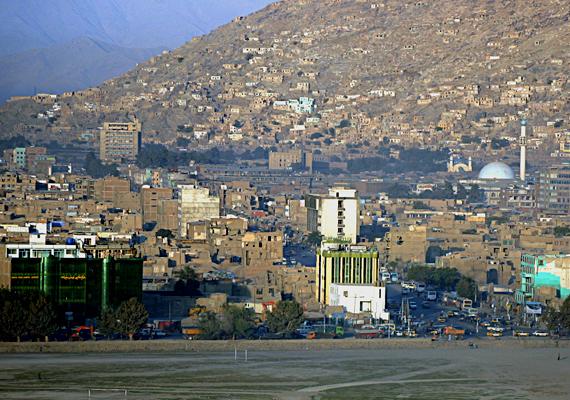 Afganisztán különösen veszélyes az emberrablások szempontjából, volt példa rá, hogy csaknem ezer embert raboltak el váltságdíjért cserébe egy év alatt. A képen a főváros, Kabul látható.