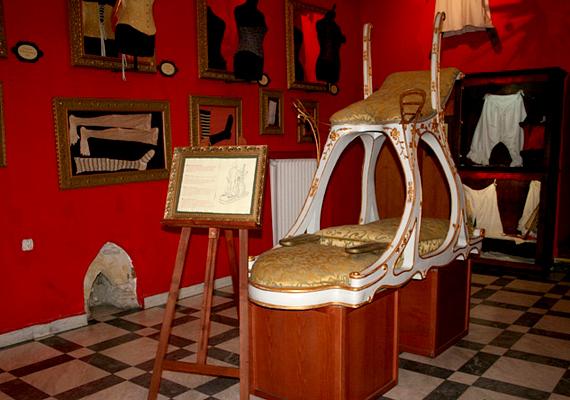 A prágai óvárosban található Sex Machines Museum a világ első olyan múzeuma, mely kifejezetten a szexuális játékszerekre koncentrál.