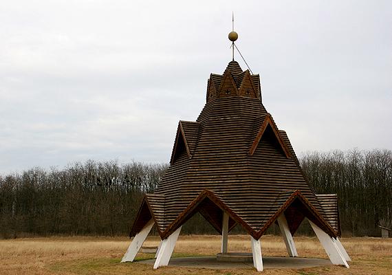 Később a torony igen rossz állapotba került, majd le is égett, végül 2004-ben helyreállították.