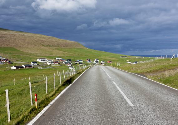 Felejthetetlen élmény lehet ilyen helyen autózni. A szigeteken szívesen látják a nőket, vannak azonban helyek, ahol nem bánnak velük túl jól: kattints ide, és nézd meg ezeket is!