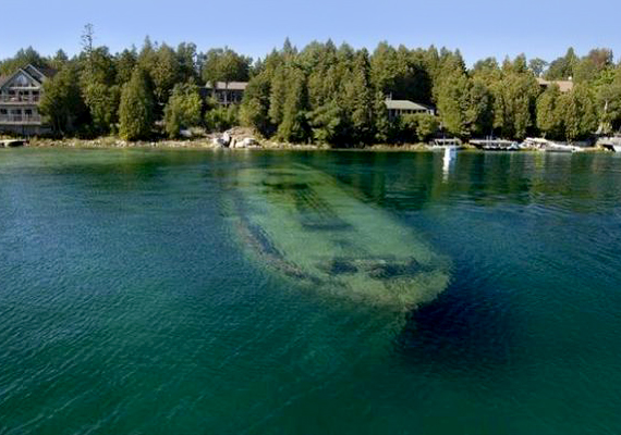 Az egykor szenet szállító Sweepstakes Tobermorynál, a kanadai Ontarióban süllyedt el 1885-ben.