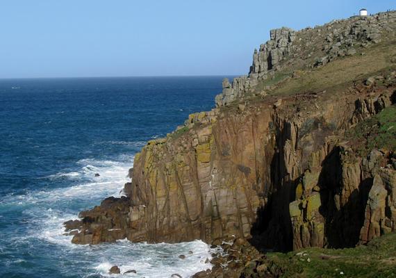 Cornwall térségében található a Land's End, melynek sziklás nyúlványa - a Penwith - hivatalosan is Anglia végét jelöli. Tudj meg róla többet. »