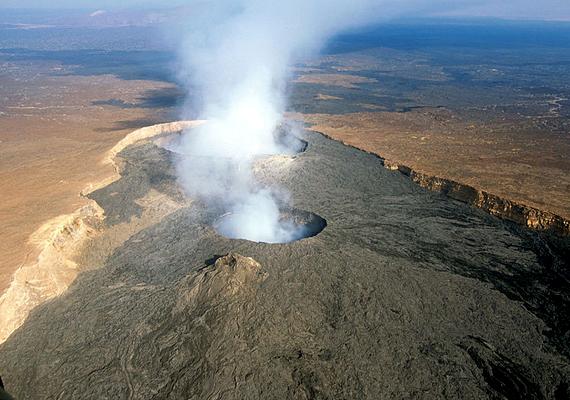 Az etiópiai Erta Ale vulkán a természet erejének félelmetes, ugyanakkor látványos megnyilvánulása, melyet nem véletlenül neveznek a pokol kapujának.