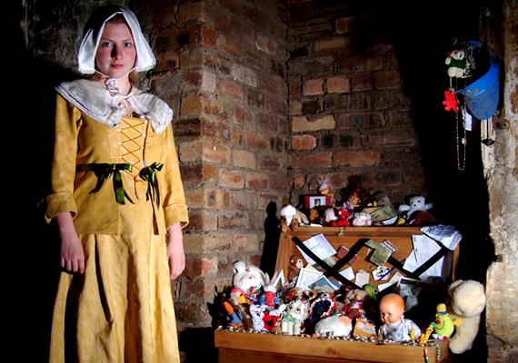 A túra egyik legkísértetiesebb pontja Annie szobája, melyben állítólag egy fiatal lány szelleme lakik. A turisták előszeretettel hagynak itt neki szánt ajándékként játékokat és babákat.