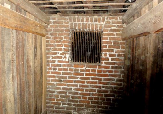 Emellett fontos útvonalat jelentett a portlandi kikötőbe is, a rakományt gyakran az alagutakon keresztül juttatták el a végcélhoz.