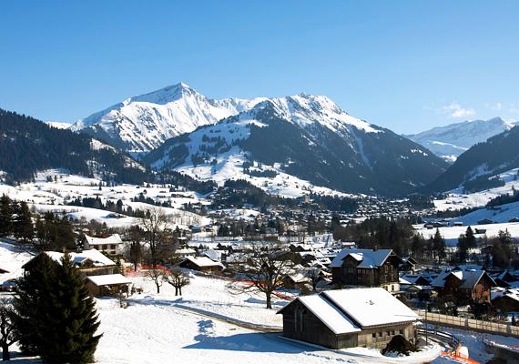 A Svájcban fekvő Gstaad európai viszonylatban az egyik legkedveltebb téli úti célnak számít, ha valakinek telik rá. Nem csupán a téli sportok, de a vásárlás szerelmesei is ide látogatnak, ha van egy kis idejük, rengeteg luxusmárka boltja található meg a városban. Korábban Elizabeth Taylor és Richard Burton kedvenc pihenőhelye volt a település, manapság inkább üzletemberek és családjaik látogatják.