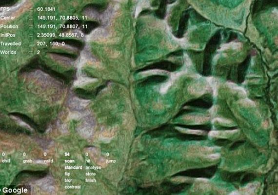 A Google Face nevű program egyik találata ez a zöld, bizarr arcforma Oroszország Magadan Oblast régiójából.