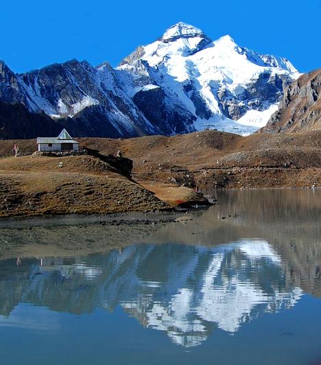 Kailash-hegy, Tibet                         A Himalájában található, páratlan szépségével szemet gyönyörködtető Kailash-hegyre a buddhisták szent helyként tekintenek, köszönhetően az itt húzódó energiavonalaknak. Hitük szerint itt található a világ koronacsakrája is.
