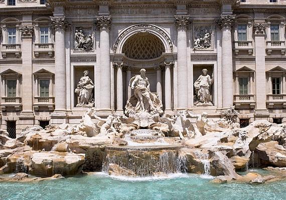 Rómában szinte nincs is olyan hely, ami ne kapcsolódna valahogy a szerelemhez. A szóbeszéd szerint a Trevi-kút segít, hogy megtaláld az igazit.