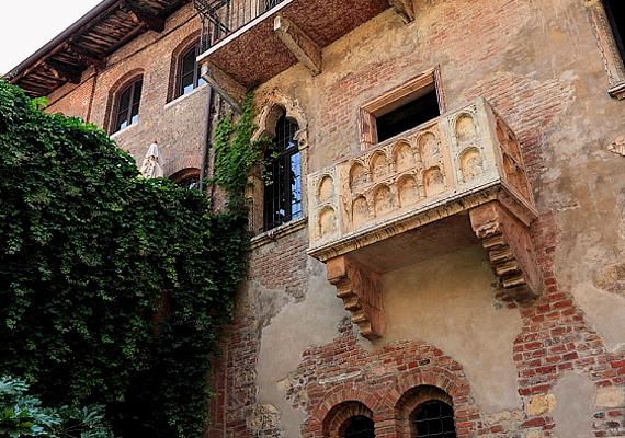Az olasz városok közül Verona viszi a prímet, ha romantikáról van szó, hiszen többek között Júlia erkélye is itt található.