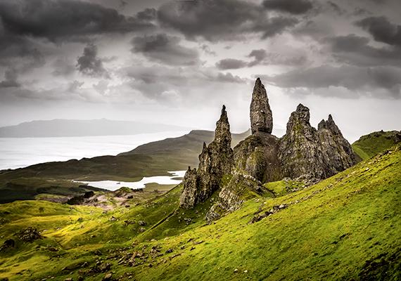 Skye szigete azonban lila fák nélkül is varázslatos, itt készült ez a fotó is, mely teljes mértékben eredeti.