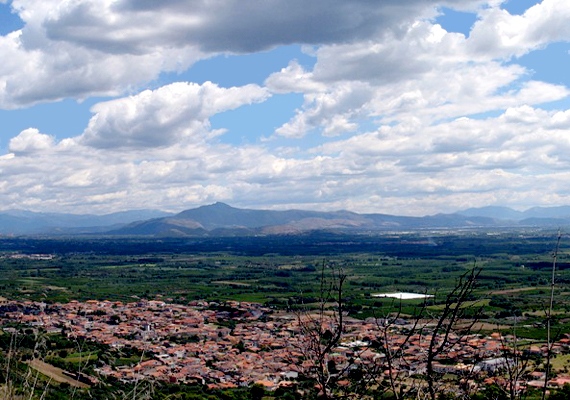 Az olasz Falciano del Massicóban 2012 márciusában lett tilos meghalni, az ok szintén az új temető hiánya.