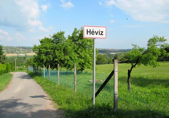 A KHS 2013-as előzetes adatai alapján a leglátogatottabb magyar város Budapesten kívül, tehát vidéken Hévíz lett, az összesített vendégforgalmi adatok alapján egymillió vendégéjszakát tudhat a magáénak.