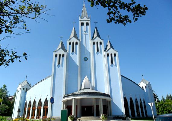 A Szentlélek római katolikus templom is híres látnivalója a városnak.