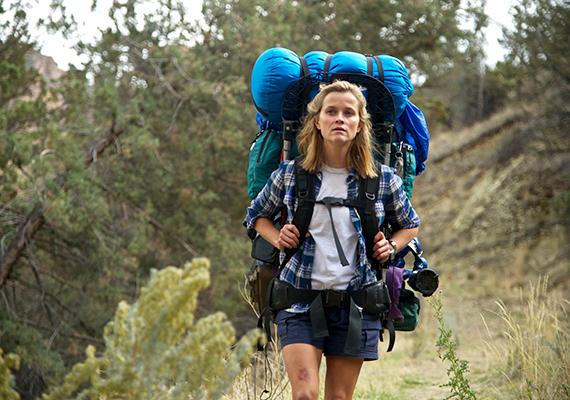 Az írónő 26 évesen, egyedül tett meg csaknem kétezer kilométert a Mojave-sivatagtól Kalifornián és Oregon államon át egészen Washington állam határáig három hónap alatt. Az utazásról, mely inkább zajlott le legbelül, mintsem földrajzi értelemben, 2012-ben jelent meg a könyv, amely már magyarul is kapható Vadon - Ezermérföldes utam önmagamhoz címmel. A képen a film részlete látható.